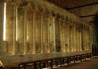 hotel-cheneviere-coeur-normandie-mont-st-michel-cathedrale-interieur
